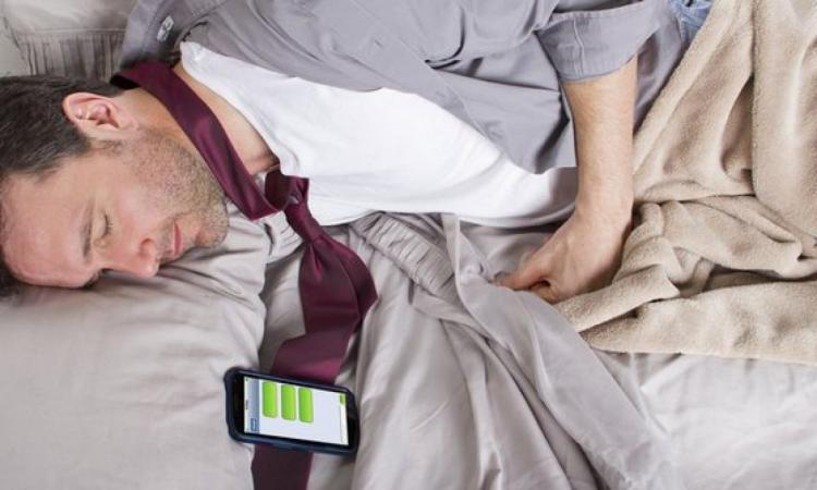Radiasi Ponsel Rupanya Berbahaya Bagi Kesehatan